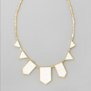 House of Harlow Necklace in white and gold